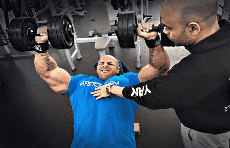 Movimientos lentos para ganar masa muscular y fuerza
