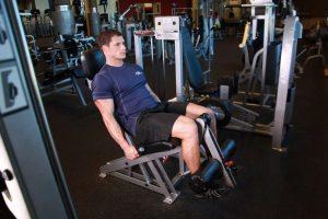 Extensión de piernas en Máquina
