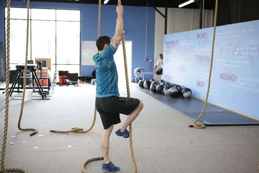 Ejercicio de espalda con cuerda