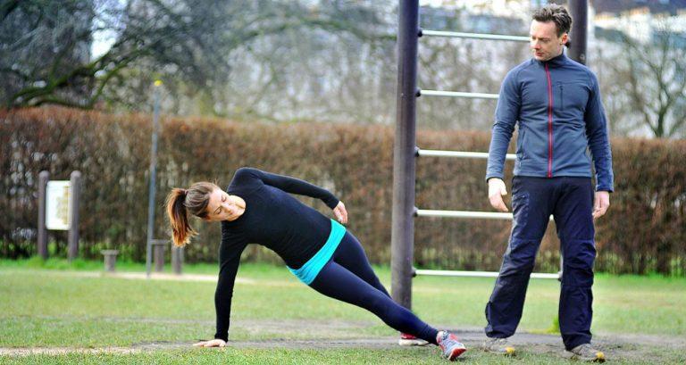 calisthenics core outdoor exercise