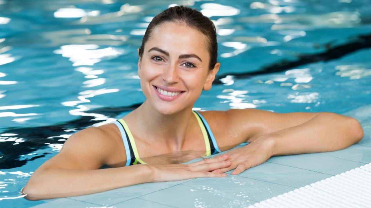 esercizi acqua piscina