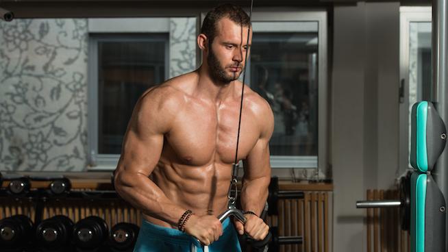 extension de triceps con barra